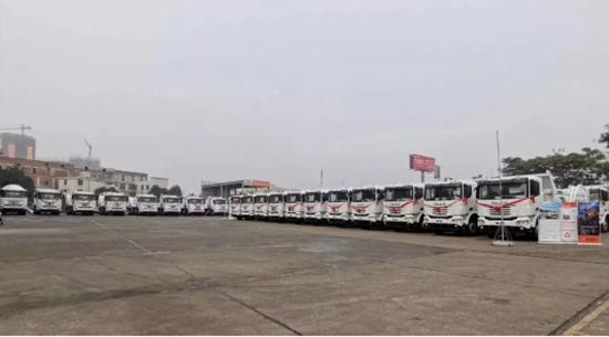 100台联合卡车国六LNG环保渣土车